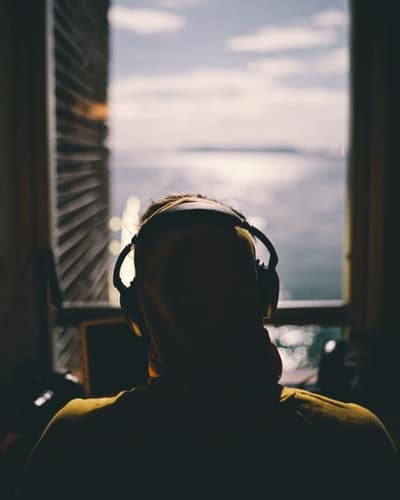 HOW TO GET THE BEST OUT OF BINAURAL BEATS - Lucid Dream Society